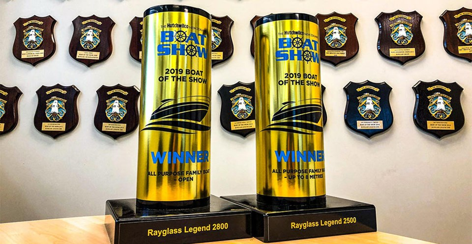 RAYGLASS LEGEND RANGE WINS TWO MORE AWARDS AT HUTCHWILCO BOAT SHOW