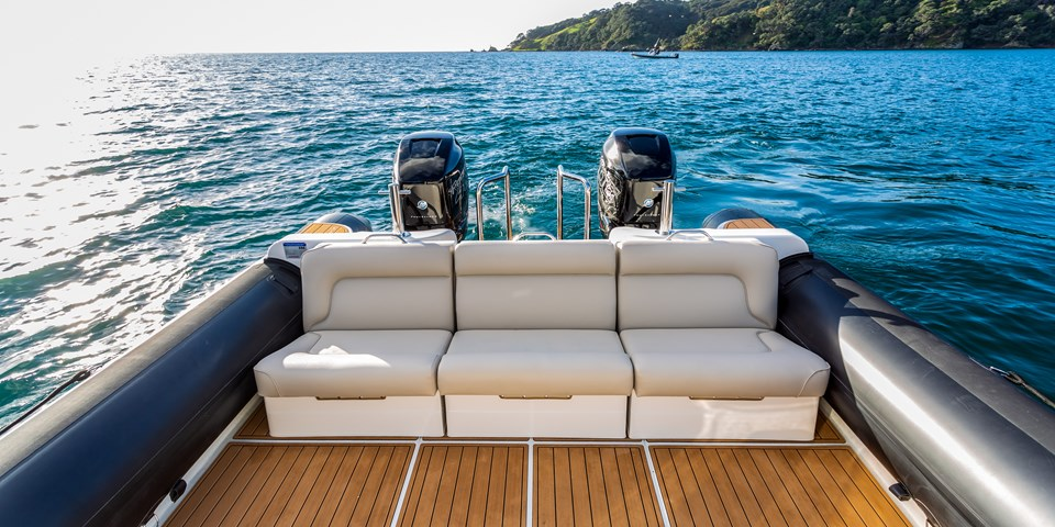 Optional luxury transom seating